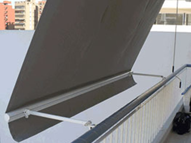Toldos de balcon baratos materiales de construcci n para for Toldos electricos baratos